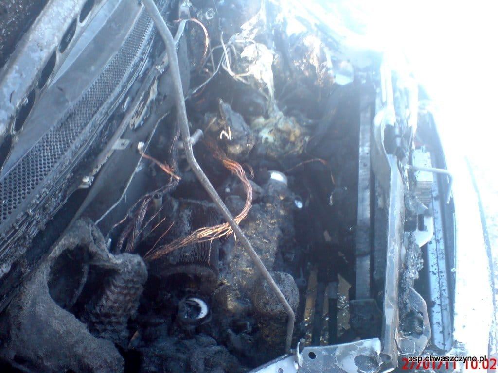 osp_chwaszczyno_pozar_samochodu_27_01_2011_chwaszczyno_pl_08