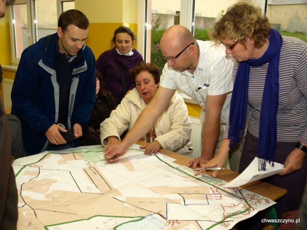 spotkanie-informacyjne-kanalizacja-w-chwaszczynie-2011-06