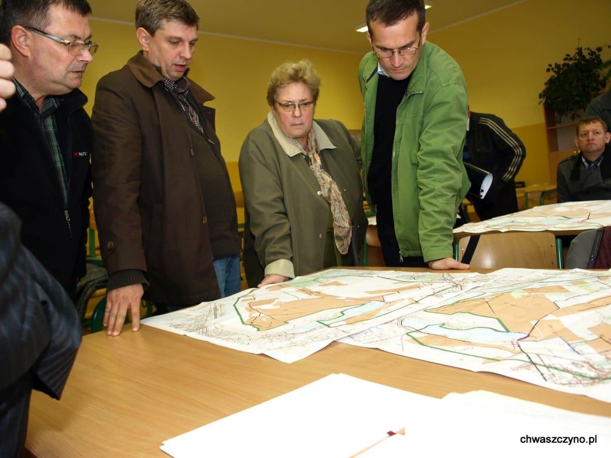 spotkanie-informacyjne-kanalizacja-w-chwaszczynie-2011-07
