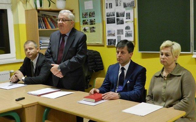kartyzy-info-spotkanie-burmistrza-z-mieszkancami-chwaszczyna