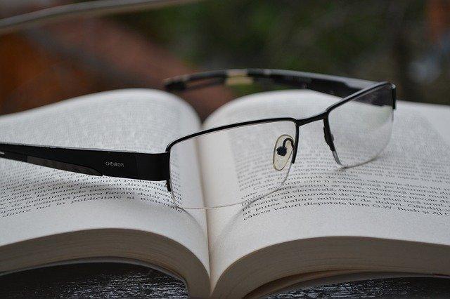 glasses 850195 640
