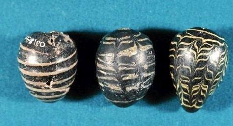 pisanki z wapienia z XI wieku