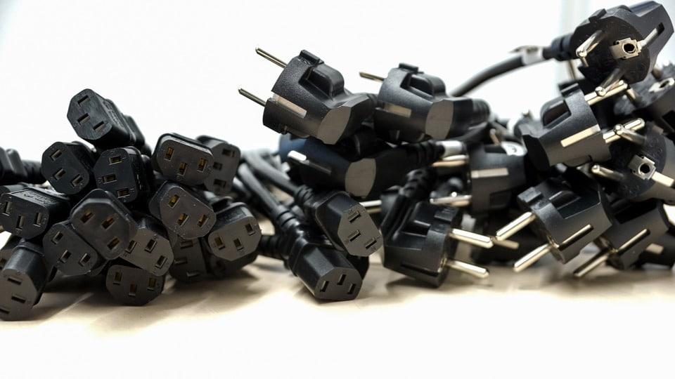 plug 672223 960 720