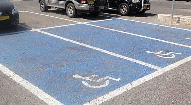 miejsce parkingowe niepelnosprawni