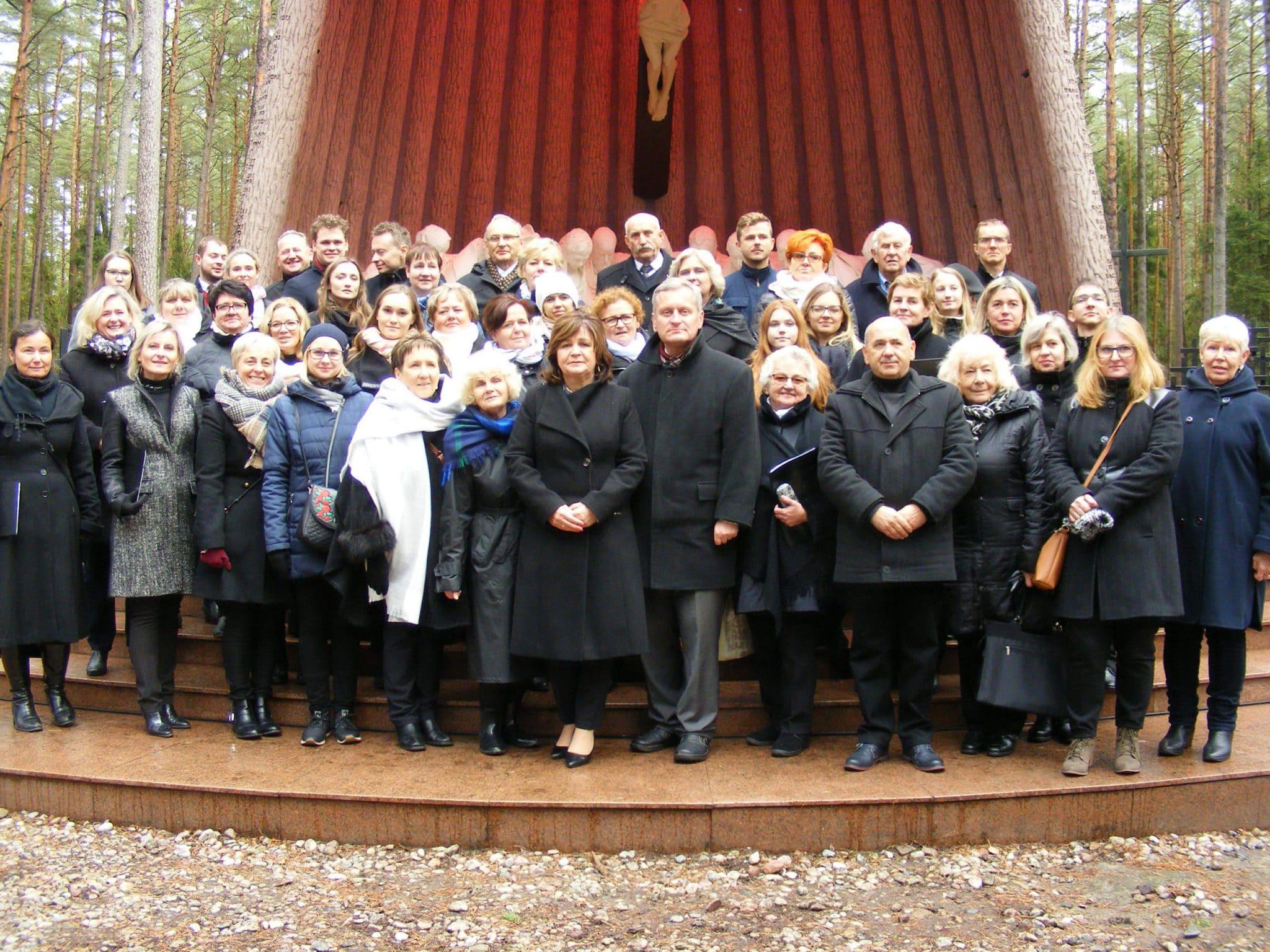 Chóry po Mszy w Lesie Piaśnickim 6 X 2019